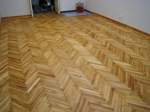 Piso de madera de teca birmano Piso de bisel Lucha piso de madera de cera Suelo de madera de roble de Rusia Alas Suelo de madera