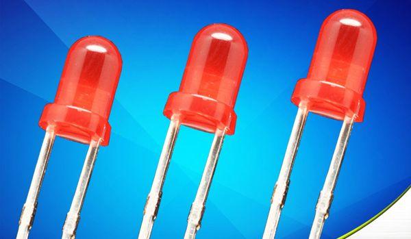 Heißer verkauf 1000 stücke 3mm Rote LED leuchtdiode F3 LED Rote Farbe kurzen fuß 17,5mm langen fuß 19mm