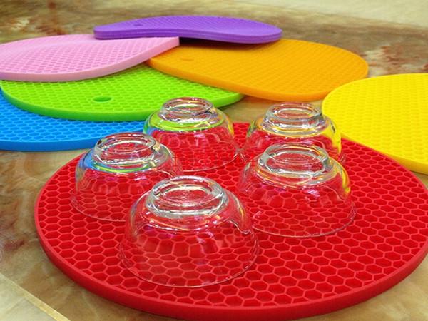 I colori liberi di trasporto 10 per la scelta scelgono i cuscinetti di tabella rotondi della stuoia del silicone della dimensione 18cm, 500pcs / lot