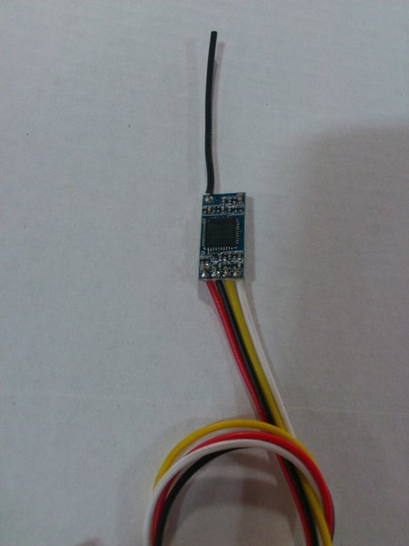 3.3-5V 18X9mm 4 kanal mikro 20 MW 5.8G ses ve video kablosuz verici