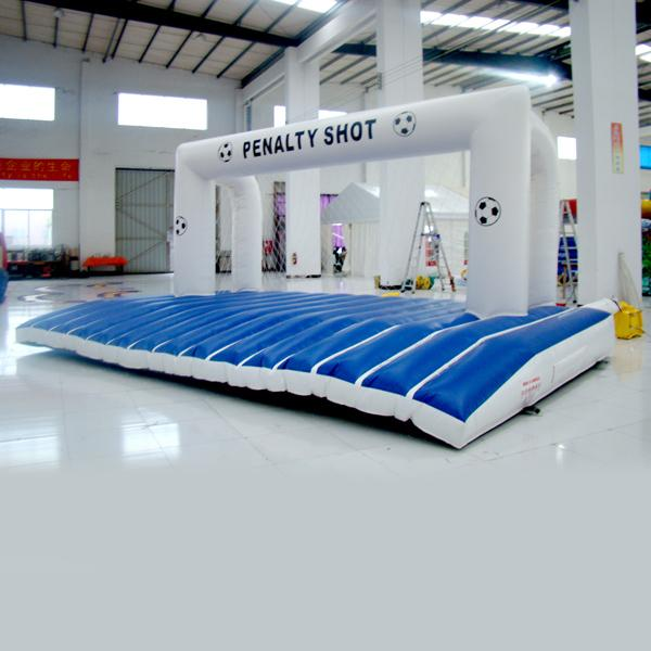 wholesall Inflatable football game for adults and kids inflatable sport game for kids inflatable toy for entertainment