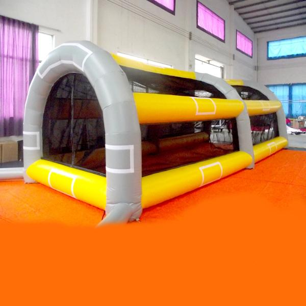 Newest style inflatable Football game iinflatable toss game for kid inflatable toy for sale inflatable sports game