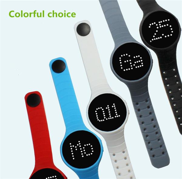 Novo 3D pedômetro esportes pulseira multi-função rodada pulseira do relógio vem com divertido jogo de silicone pulseira inteligente para iphone samsung