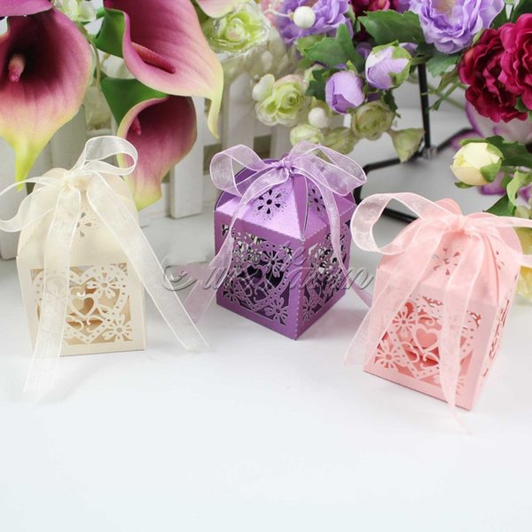 2015 New Heart Laser Cut Candy Favour Boxes With Ribbon for Wedding Party Table Decorations white pink purple color free shipping