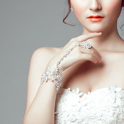 Shiny Crystal Rhinestone Bridal Bracelets 2016 New Style Wedding Romantic Bridal Jewelry Accessories Hand Chain With Ring Free Shipping