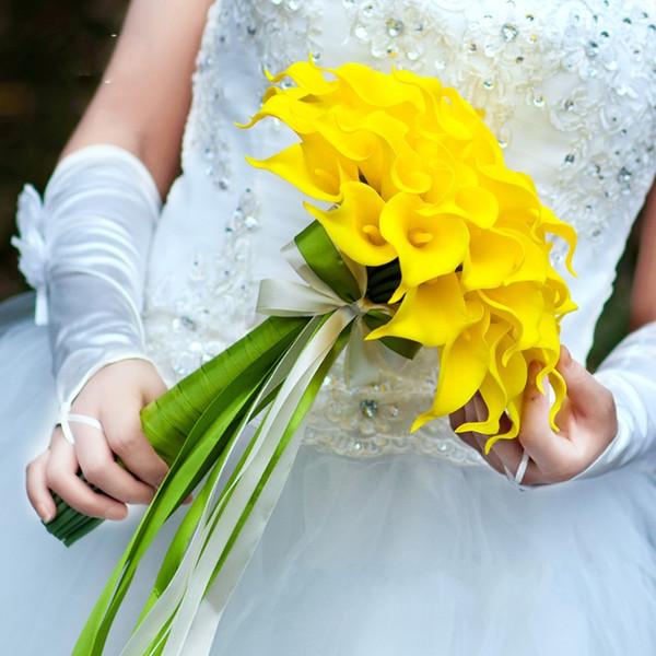 Venta caliente 50 unids Venta al por mayor de Color Blanco Flores Calla Lily Nupcial Ramo de la Boda Latex Real Touch Bouquet de Flores