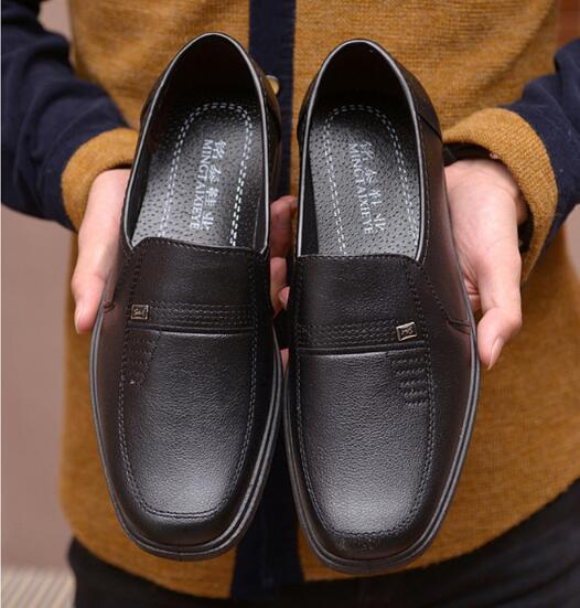 2018 new men's shoes British autumn and winter new business dress sleeve feet soft father shoes size:EU39-44