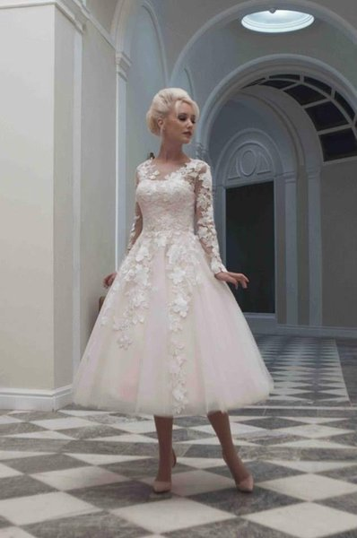 Vintage Style Wedding Dresses Scoop Long Sleeve Covered Button Tea Length  Ball Gown Tulle Applique Ribbon Plus Size Bridal Gowns DH V150251 Tulle