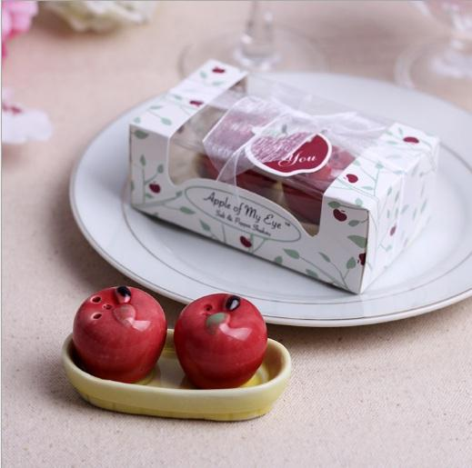 Apple ceramic salt and pepper shaker 2 red apple on the boat Spice jar Party favor souvenirs Wedding Christmas gift