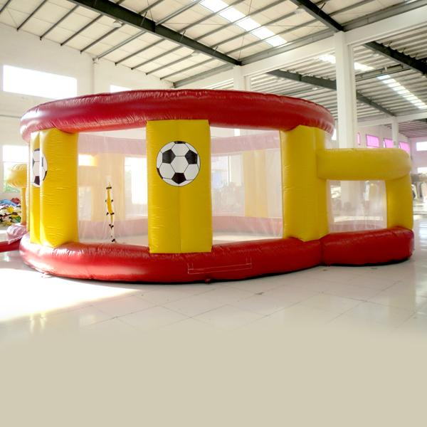 popular hot sale outdoor inflatable football Games for children inflatable Football field inflatable toy for kids for sale made in China