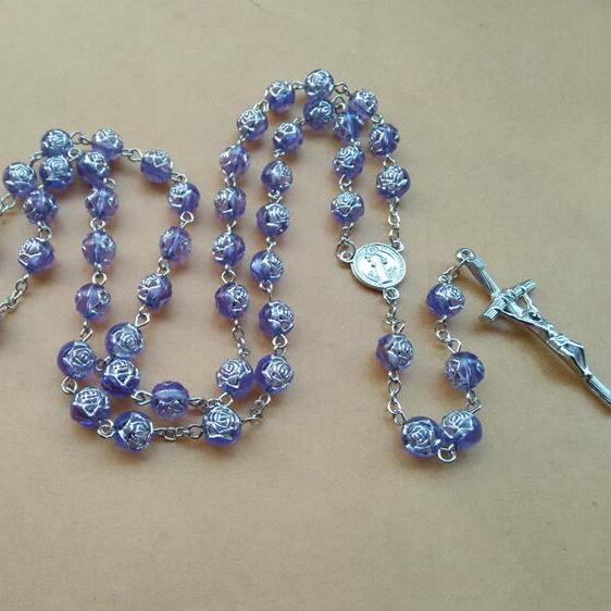 Fashion Religious Jewelry Metal Jesus Cross Pendant Purple Rose Plastic Beads Rosary Necklace Long Design 8mm