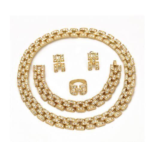 Antike Dubai-Entwurfssaudi 18k Goldschmucksachesatz der festen Legierung 2015