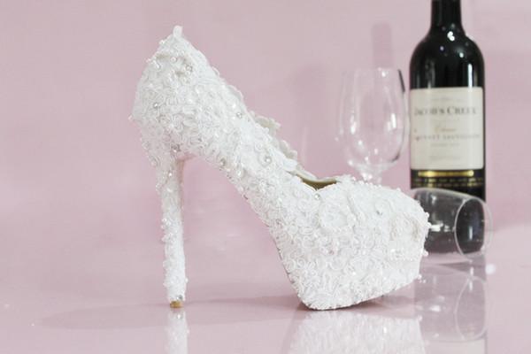 Großhandel 2019 Luxus Designer Frauen Weiß Hochzeit Brautschuhe Vogue Spitze Perle Kristall High Heels Hochzeit Pumps Schuhe Für Hochzeit Braut