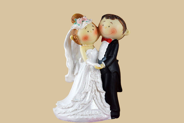 FEIS wholesale Real Multi Wedding Decoration Groom And Bride Poly Resin Cake Topper Best Romance Sweet cake accessory wedding supplies