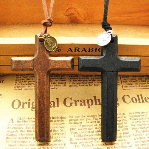 New stereo wooden cross pendant necklace vintage leather cord sweater chain Alloy round disc men women jewelry handmade Fashion 12pcs