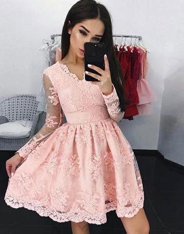 Compre Moderno Encaje De Coral Vestidos Cortos De Graduación Con Mangas Largas Una Línea De Cuello En V 2019 Barato Mini Vestido De Fiesta De