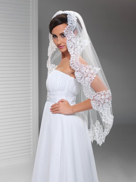 2016 Top Qualityr Best Sale Cheap Fingertip White Ivory Lace Applique veil Mantilla Veil Bridal Head Pieces For Wedding Dresses