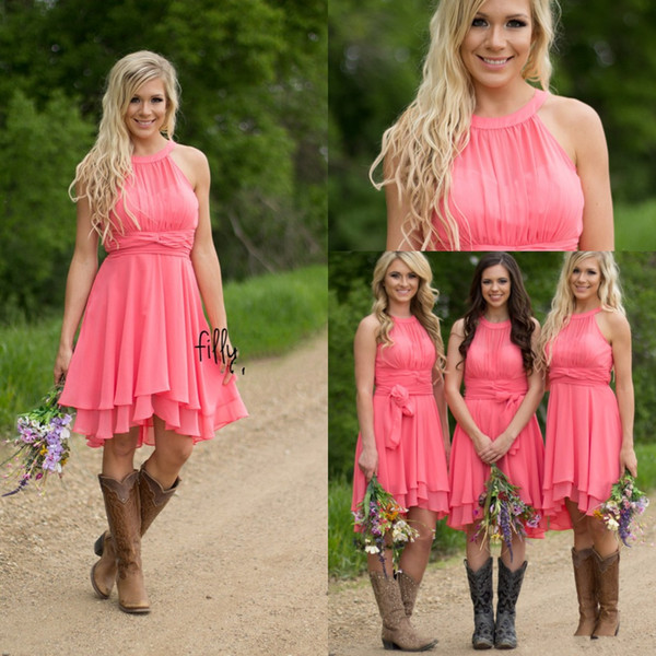 top popular 2018 Cheap Country Coral Bridesmaid Dresses Jewel Neck Chiffon Knee Length Wedding Guest Wear Party Dresses Maid of Honor Gowns Under 100 2021