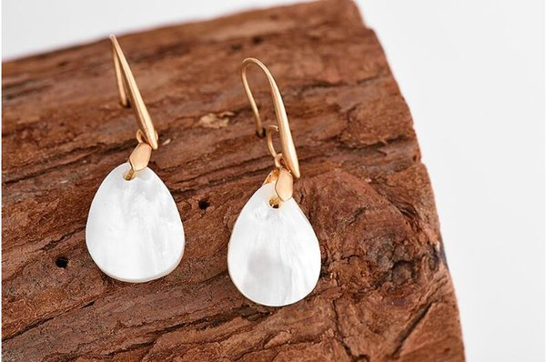 Women fashion natural shell earrings Delicate contracted teardrop-shaped earrings top quality factory direct supply free shipping
