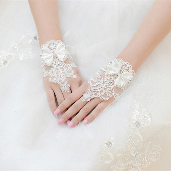 Wholesale-2016 New Free Shipping New Hot Sale Fashion White Ivory Pearl Lace Wedding Bride Bridal Gloves Ring Bracelet Wedding Accessories