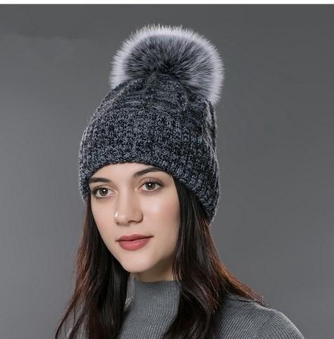 FUR Women fur hat for winter Big raccoon and fox fur pom pom hat wool cotton Skullies hat 2016 new fashion cashmere caps