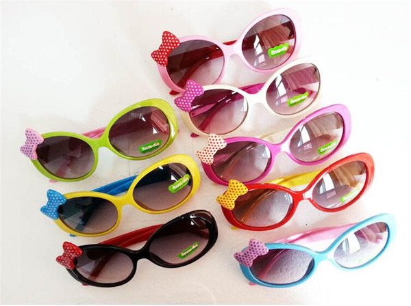 Bambini Occhiali da sole per bambini Bambini Occhiali da sole con montatura in plastica Ragazze Baby Bowknot Cat Eye Shades Occhiali da vista Eyewear UV400