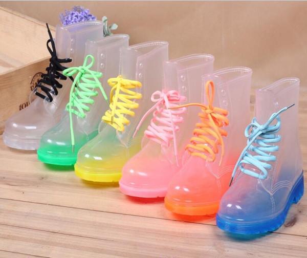 2016 Crystal Jelly Chaussures Plat Martin Rainboots Mode Transparent Perspective Bottes de pluie Chaussures de l'eau Femmes Chaussures Candy Couleur Rainshoes