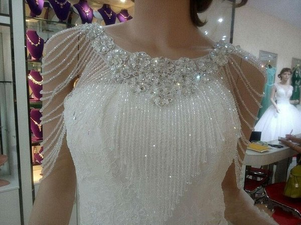 Luxury Crystal Beadings Jewelry Wedding Bridal Wraps 2020 Custom Made Flower Lace Appliques Beads Wedding Shawl Jacket Bolero Jackets Cheap