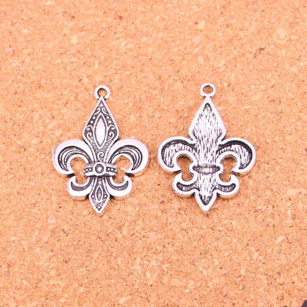 42pcs placcato argento antico FLEUR DE LIS pendenti di fascini per monili europei del braccialetto che fanno DIY Handmade 33 * 23mm