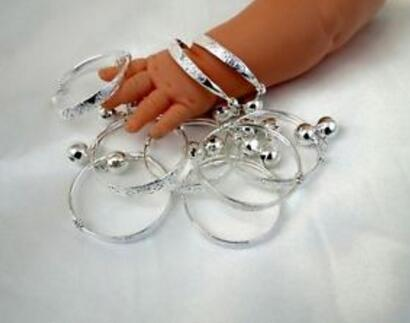 New Vintage Silver Baby Kid Bell Bracelet Good Luck Charms Bangles 12pcs For child Fashion Jewelry Accessories DIY Gifts S280