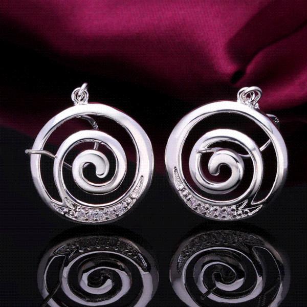 Nuevos pendientes de la manera Joyería plateada de plata Pendientes hermosos para las mujeres Pendientes de gota del ciclón de la alta calidad tela de la joyería