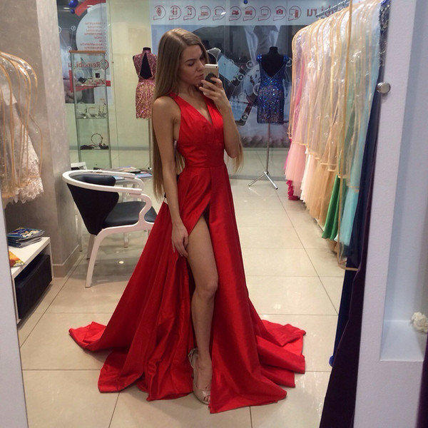 2019 New Arrival Long Red Prom Dresses Satin A-Line V-Neck Sleeveless Court Train Prom Party Dress Formal Gowns with Slit Evening Gowns