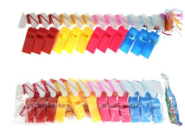 4 * 1,8 cm Kunststoff Sport Pfeifen Party Hochzeit Förderung Bunte Pfeifen mit Lanyard 4 Farben Mixed Kids Candy Pfeife