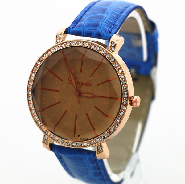 Free shipping!PVC leather band,tan glass,gold case with rhinestone circle,quartz movement,Gerryda fashion woman lady leather quartz watch731