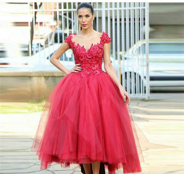 2017 New Saudi Arabia Evening Dress Red Ball Gown Lace Appliques Formal Holiday Wear Prom Party Gown Custom Made Plus Size