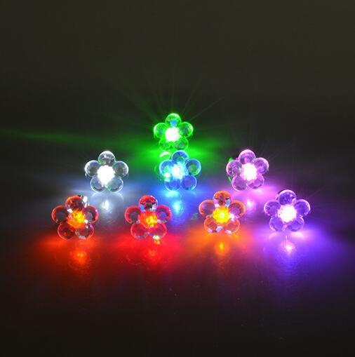 Charme LEVOU Flor Brinco Light up Crown Brilhando Cristal Inoxidável Ear Stud Brinco Jóias Mulheres Acessórios Do Partido Por Atacado