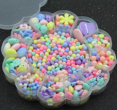 Plastique Acrylique Perle Kit Accessoires DIY Fille Jouets Fabrication de Bijoux Enfants Perles Set Dernier charmant collier (Inclure les boîtes) BDH011