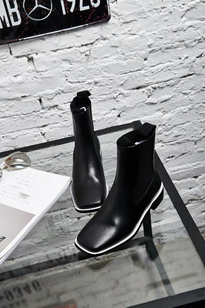 high quality~u671 34/40 genuine leather 2 colors flat short boots black white square head casual luxury designer runway fashion brand