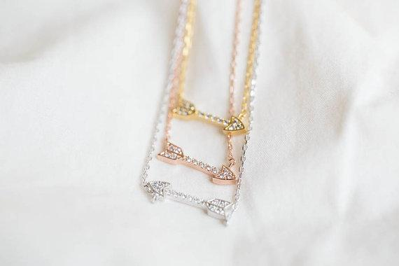 NEWBARK Fashion Vintage Necklace Love Cupid's Arrow Collares Colgantes con Tiny Cubic Zirconia Diamond Paved Collares Jewelry
