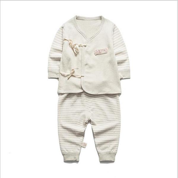 (2pcs/set)2017 Newborn Baby 0-3M Boy Girl warm Clothes set Natural Soft Cotton shoulder buttons Autumn Underwear baby set