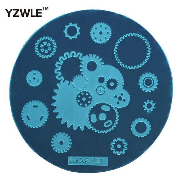 Wholesale- YZWLE Hot Sale! Lattice Shape Template Pattern Nail Art Image Stamping Steel Plates 5.5cm Manicure Template (hehe011)