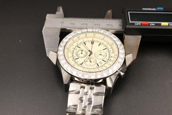Limitierte Auflage Quarz-Uhren Männer weißes Zifferblatt Analog Diamant Gehäuse Platin Skelett Edelstahlband Motoren Casual Digitaluhr