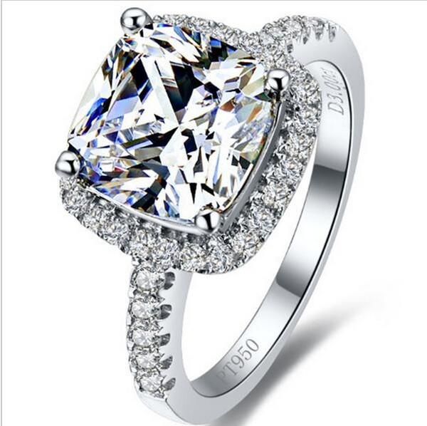 Vendita calda Top Brand Style 3 Karat Princess Cut Cushion Shape SONA Diamond Diamond Engagement o Wedding Ring Migliore regalo di anniversario