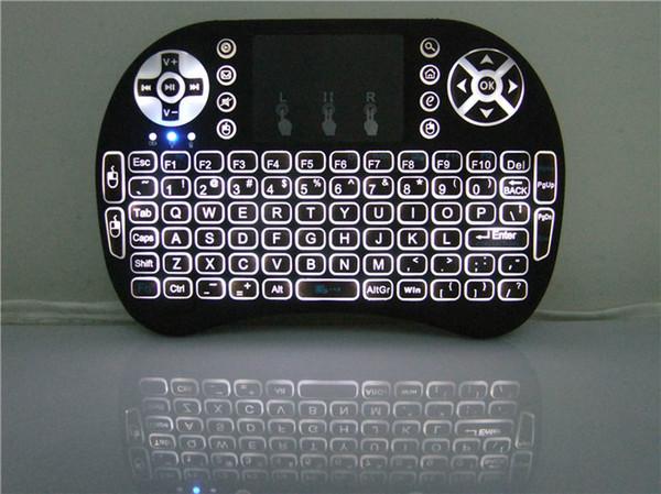Venda QUENTE! Mini Teclado Retroiluminado Portátil Rii Mini i8 Sem Fio Teclado Touch Pad com pacote de varejo