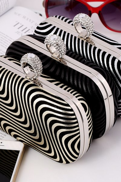 Wholesale Striped Bridal Hand Bags Gold Black Silver Fashion Evening Party Bag 2017 New Hot Sale Formal Women Handbags with Chain CPA957