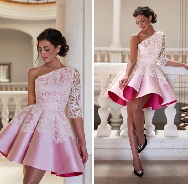 Neue Entwurfs-eine Schulter-Rosa-Kurzschluss-Cocktailkleid 2018 Elegante Spitze-Ballkleid-Partei-Kleid-reizvolle Knie-Länge Robe De Soiree Homecoming-Kleider