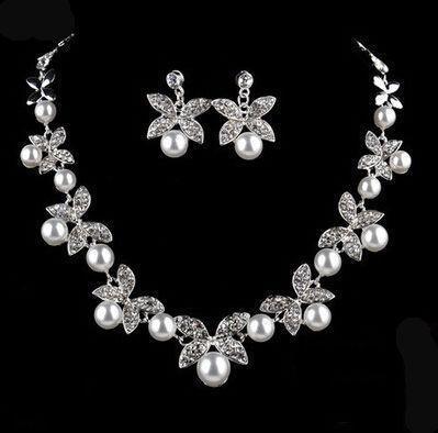 Weiße Halskette Ohrringe