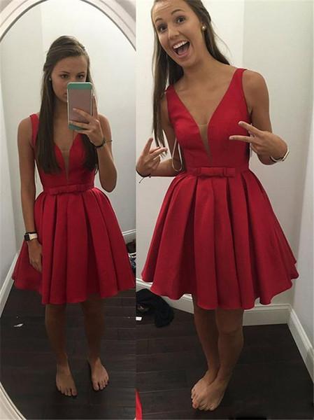 2017 economici Sheer profondo scollo a V corti Wed Guest abiti da cocktail Red Satin drappeggiato corsetto formale abiti da ballo di promenade speciale
