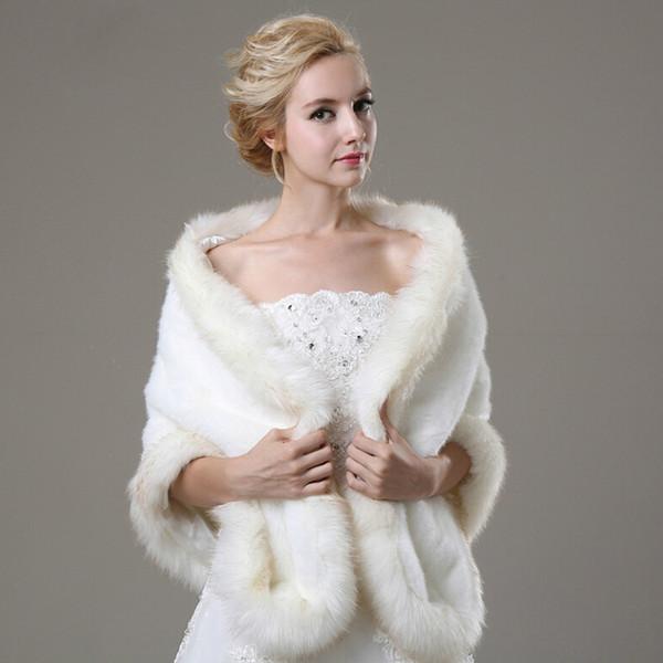 Attraente giacca da sposa in pelliccia bianca da sposa con maniche lunghe in spalla dagli accessori da sposa avvolti su misura per il vestito da sposa