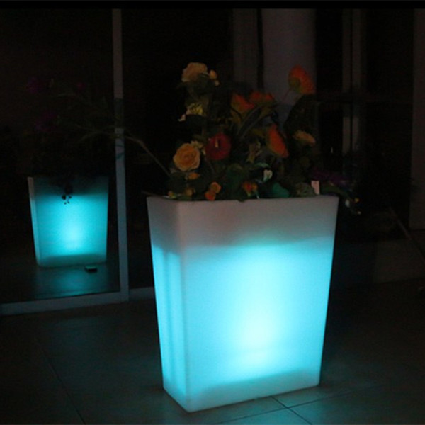 Outdoor Large waterproof rechargeable Y POT remote control LED illuminated flower pot color changing led plant pot for decoration pot
